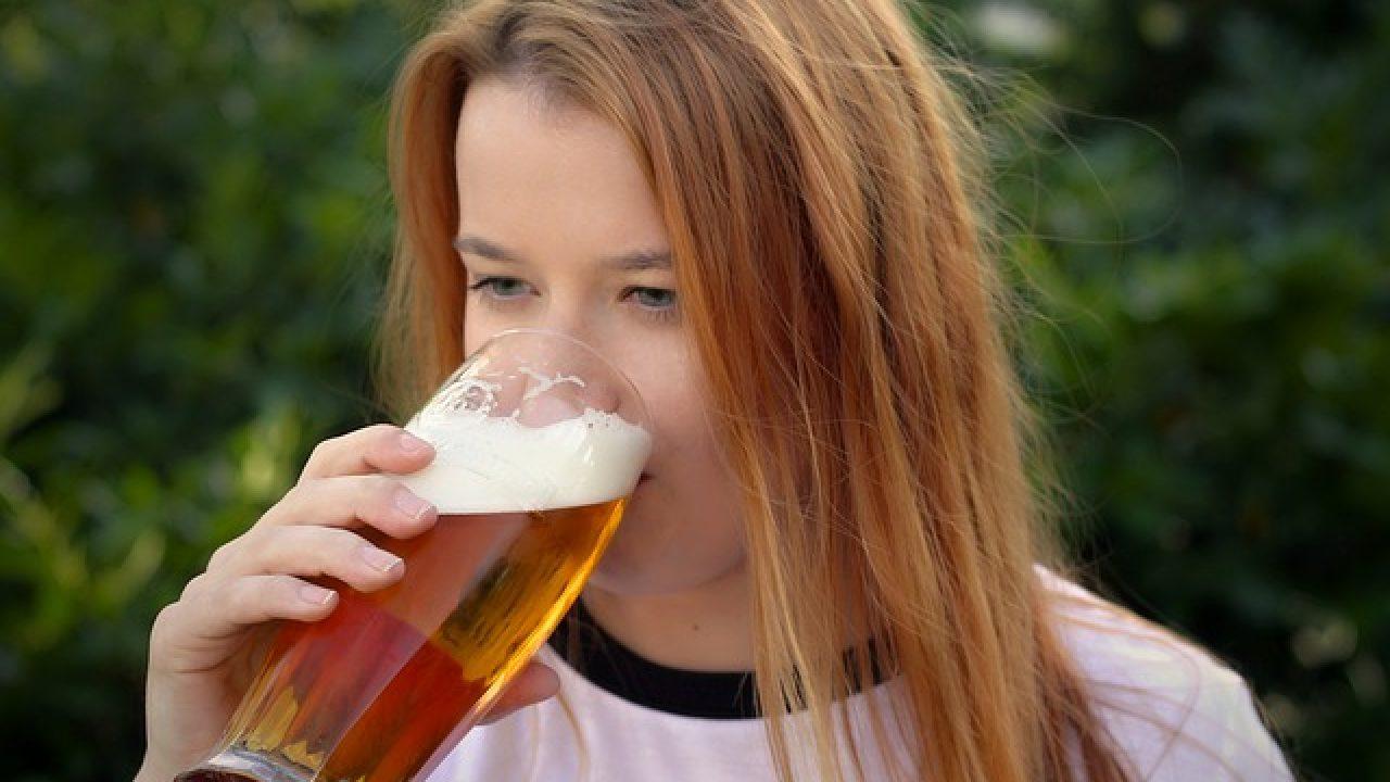 Berea fără alcool îngrașă? Află adevărul!