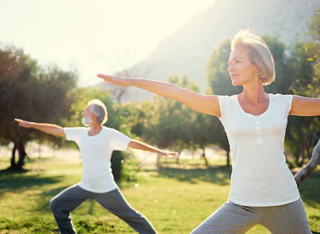 Rezultă pierderea în greutate la vârsta mijlocie)