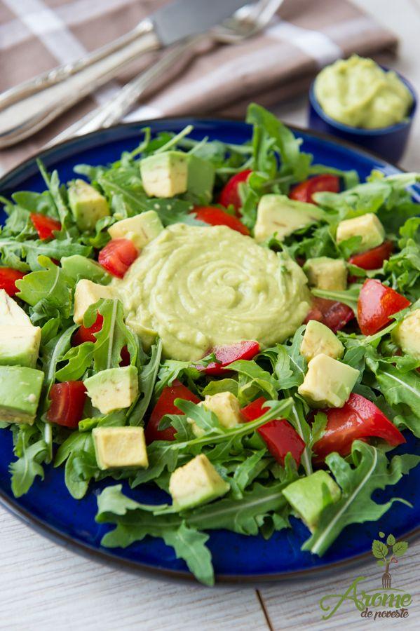 Rețete fitness pentru 11 salate delicioase și sănătoase