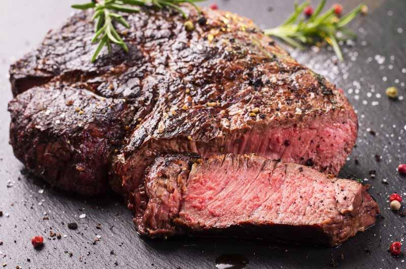 carne de vită alimentată cu iarbă pentru pierderea în greutate)
