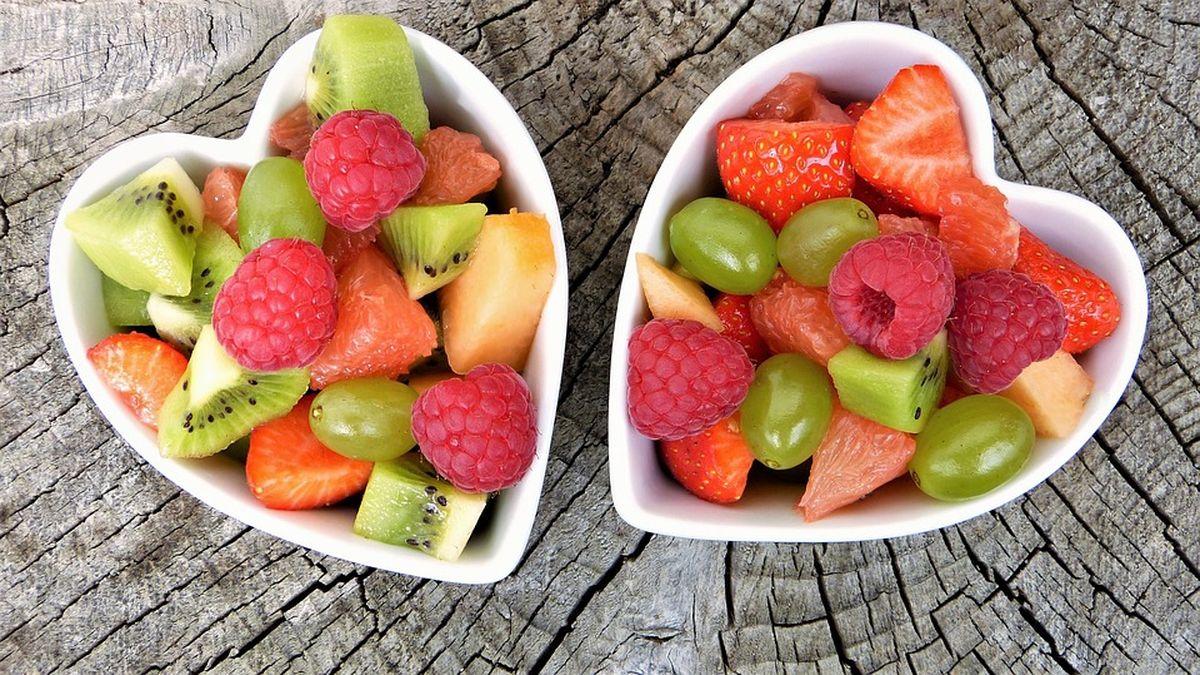 Slăbeşte 3 kg în 7 zile cu dieta cu fructe de pădure!