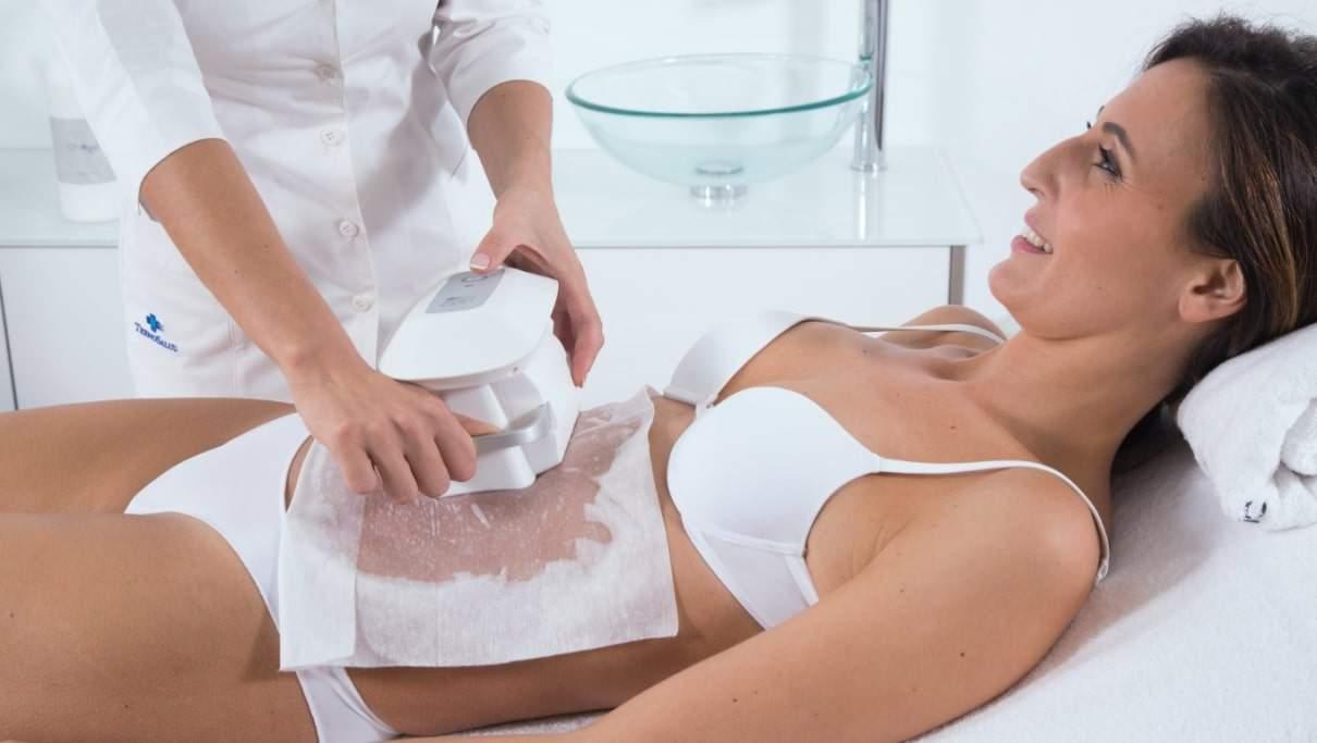un dermatolog poate elimina grăsimea)