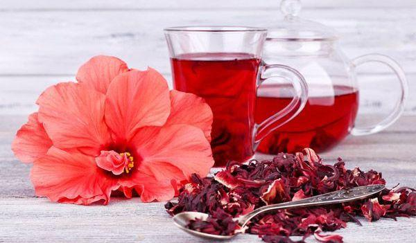 hibiscusul te ajută să slăbești