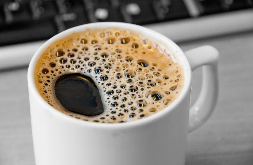 cafeaua decofeinizată arde grăsime)