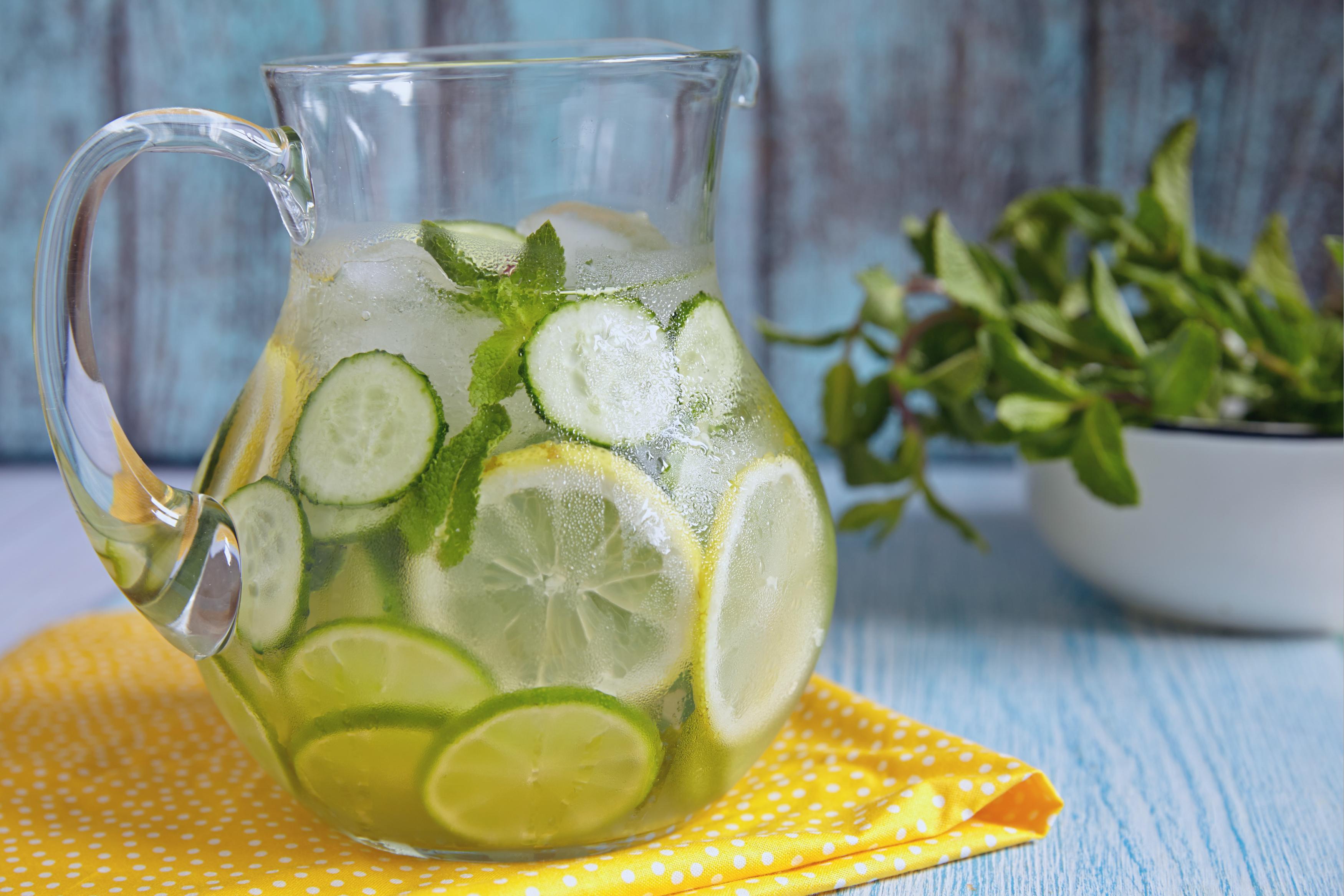 cele mai bune băuturi pentru a te face să slăbești