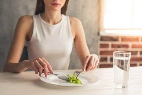 șase strategii pentru pierderea în greutate sănătoasă)