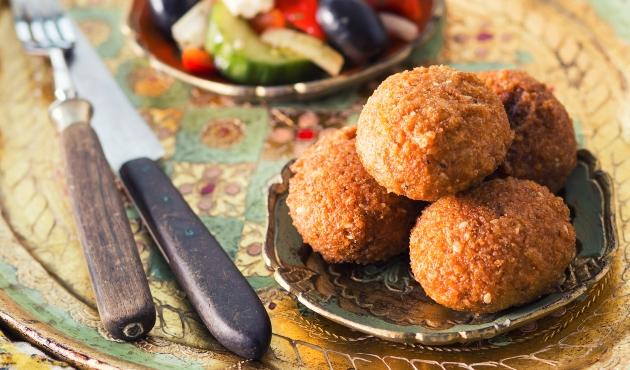 slăbește cu falafel)