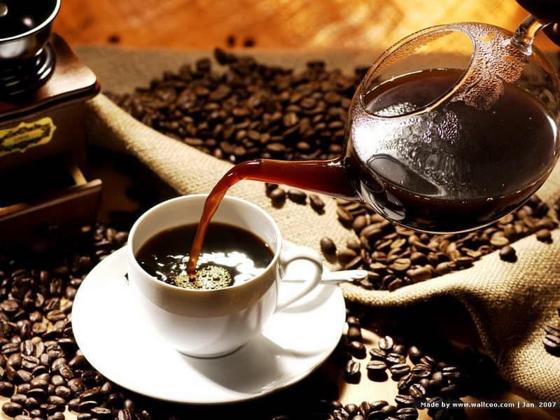 este cafeaua neagră ajută la pierderea în greutate
