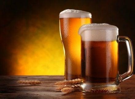 Cura de slăbire cu bere. Planul de dietă recomandat femeilor - Antena Satelor