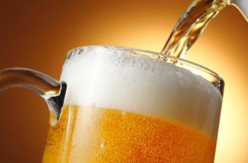Este posibil să slăbesc când încetez să beau bere