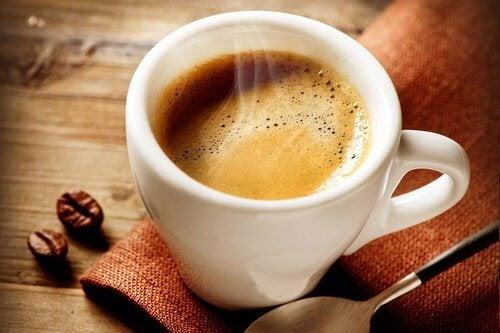 4 greșeli legate de cafeaua ta care te împiedică să slăbești - sudstil.ro