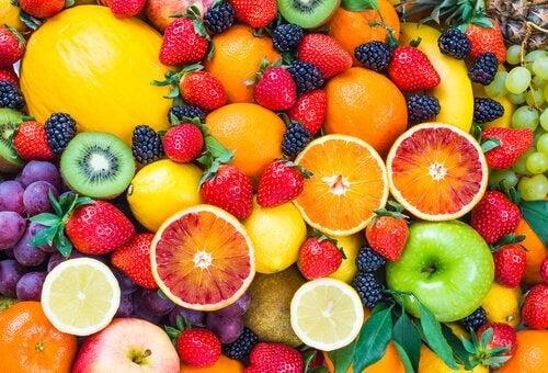 Cum poţi slăbi cu dieta cu fructe de pădure