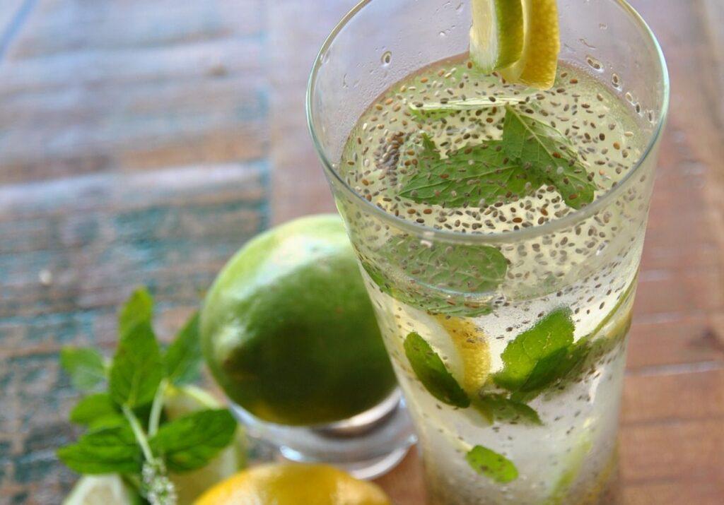 cea mai bună băutură care te ajută să slăbești)